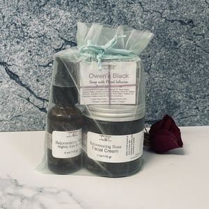Rejuvenating Rose Facial Set